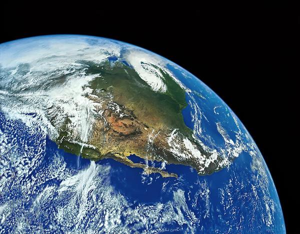 advantages of solar power keep earth livable