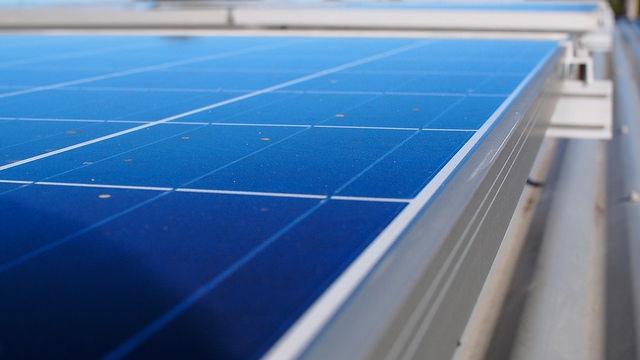 solar-panel-rack